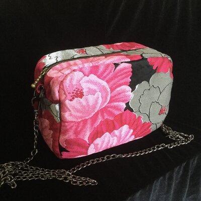 Borsa a tracolla Elegante Rosa/Argento/Nero fatta con tessuto Obi /Kimono Seta100% Interno ottime rifiniture