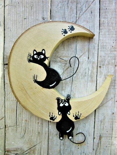 Luna in legno con coppia di gatti arrampicati