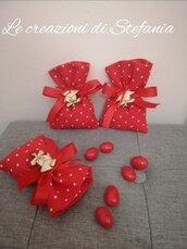 20 sacchettini porta confetti in cotone rossi con pois bianchi per laurea con tocco in legno naturale