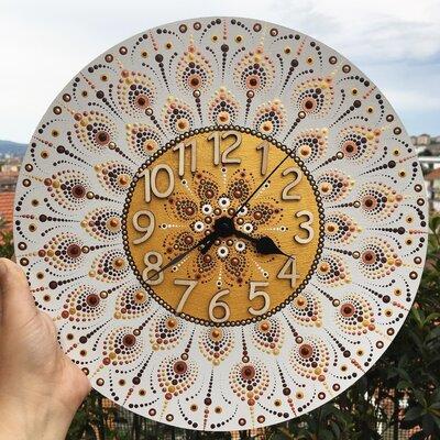 Orologio di legno dipinto a mano con mandala