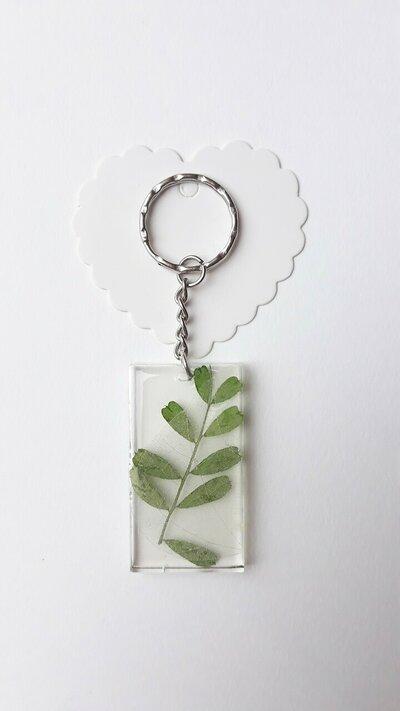 Portachiavi in resina con foglie !