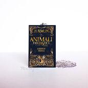 """Collana lunga con libro """"Animali fantastici e dove trovarli"""""""