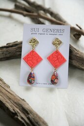 _coral dream_ orecchini pendenti lunghi color fenicottero, forma rombo e goccia