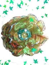 Fiore capelli in organza verde