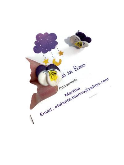 Orecchini floreali da lobo con violette in fimo