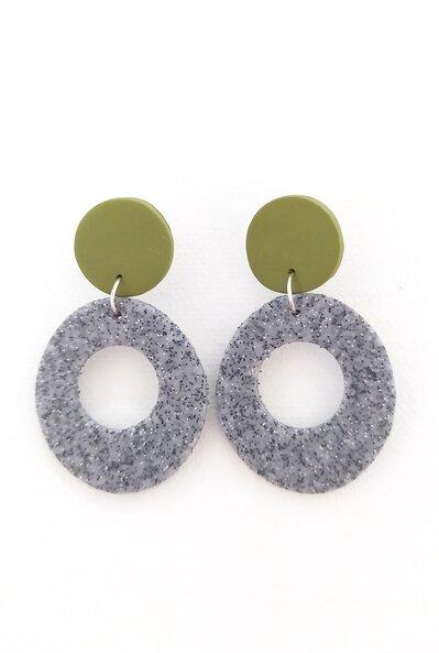 Orecchini tondi ovali verde oliva e grigio marmorizzato