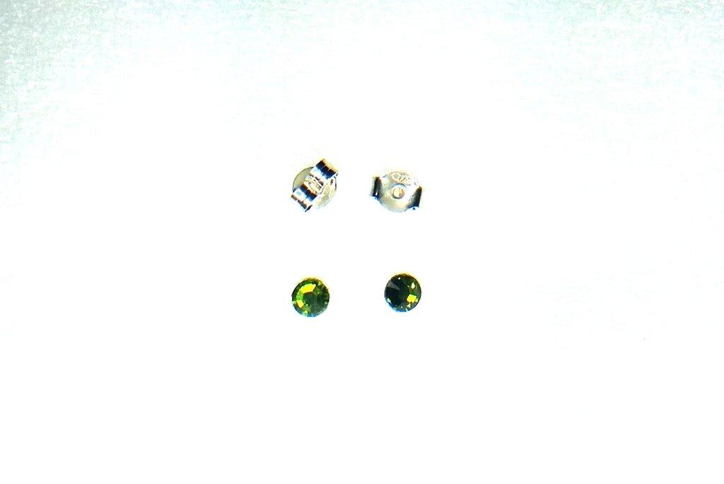 Orecchini unisex arg 925, lobo, punto luce, cristallo Swarovski verde, artigianale, regalo, compleanno
