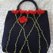 borsa di feltro con papaveri