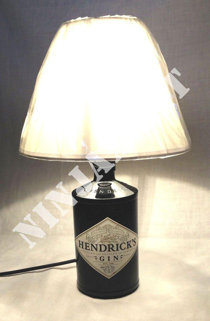 Lampada da tavolo Gin Hendrick's realizzata a mano