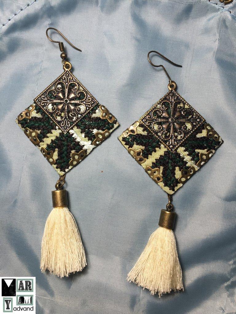 orecchini fatti a mano di tessuto ricamato , orecchini tradizionali online