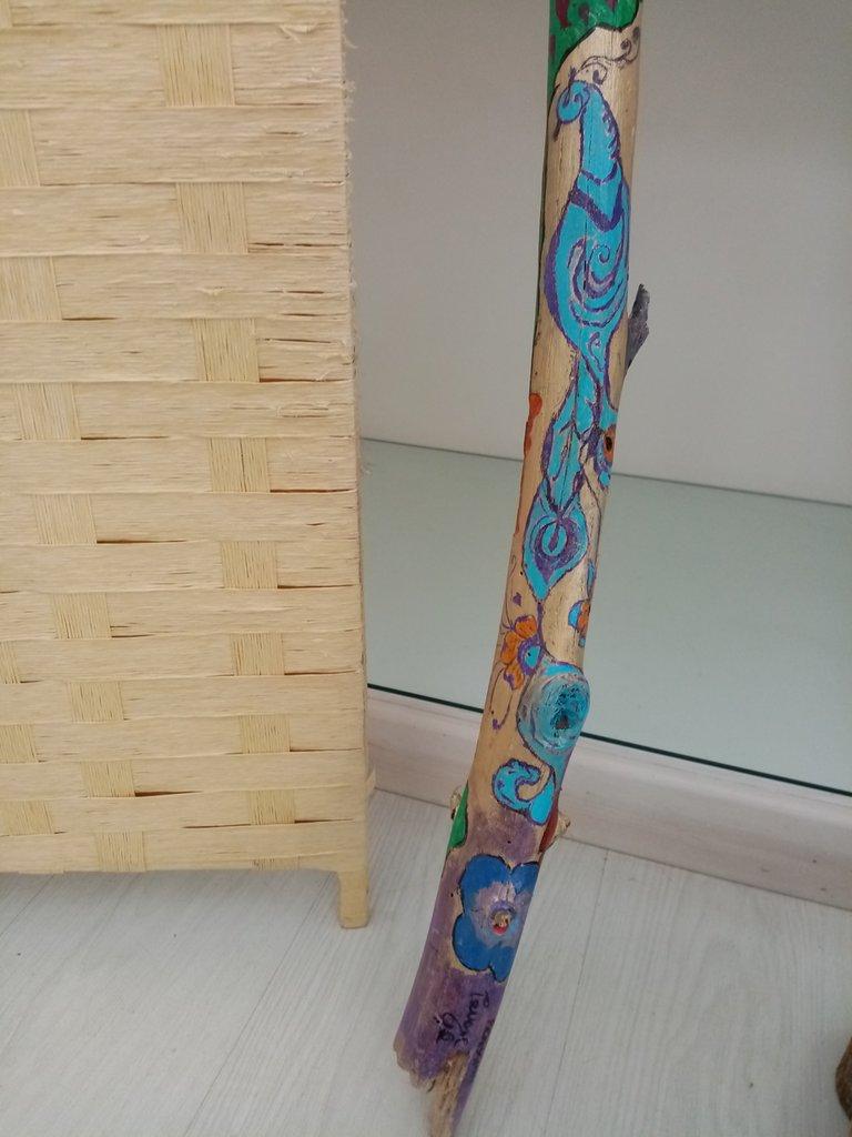 Tronco pitturato pavone