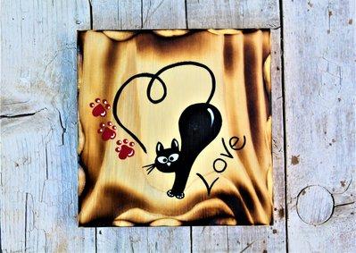 Targhetta in legno con gatto e cuori rossi