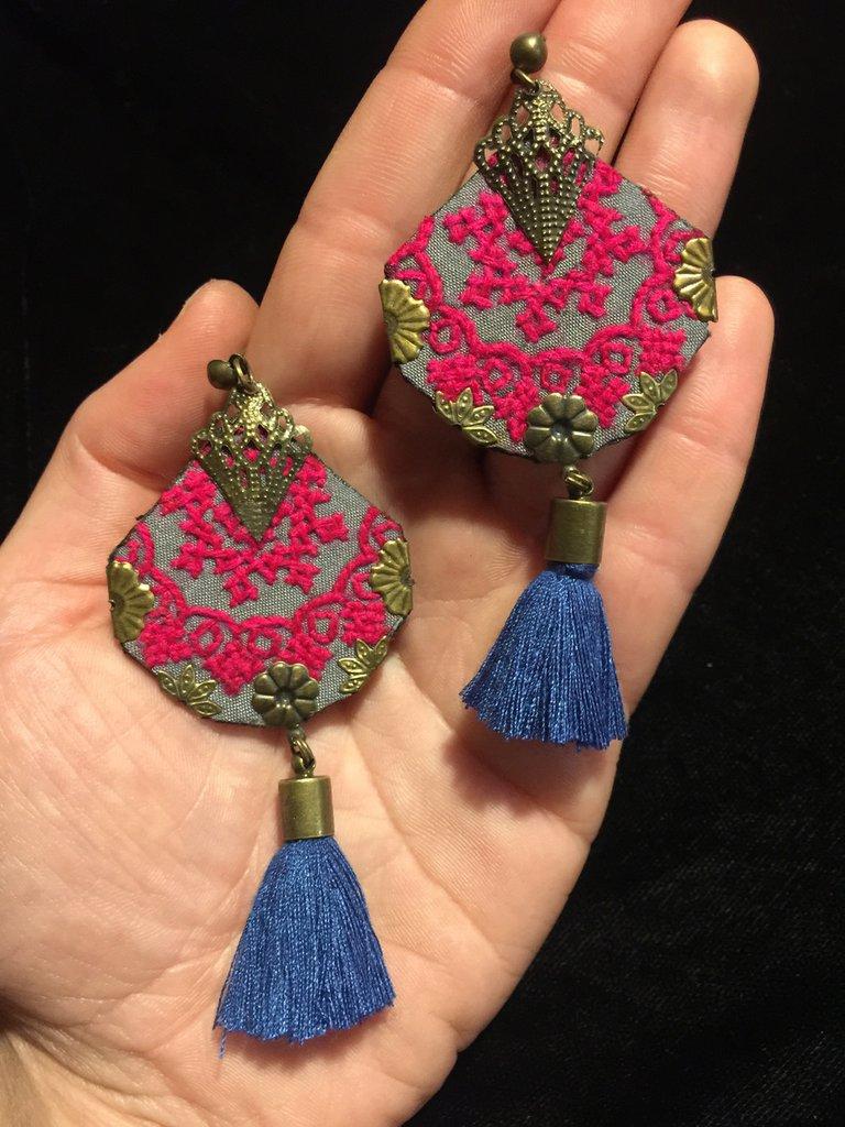 orecchini etnici online , orecchini ricamati a mano , orecchini tradizionali