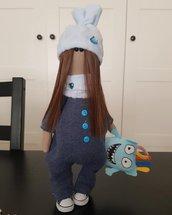 bella bambola di stoffa