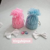 Portachiavi cappellino in lana bimbo o bimba  - bomboniera/gadget per nascita o battesimo