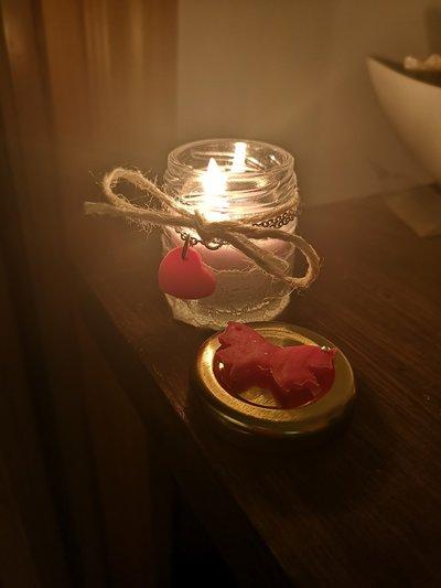 candele profumate e bracciale personalizzati,scegli la fragranza,il colore e iniziale o frase da inserire nel cuoricino di porcellana fatto a mano.