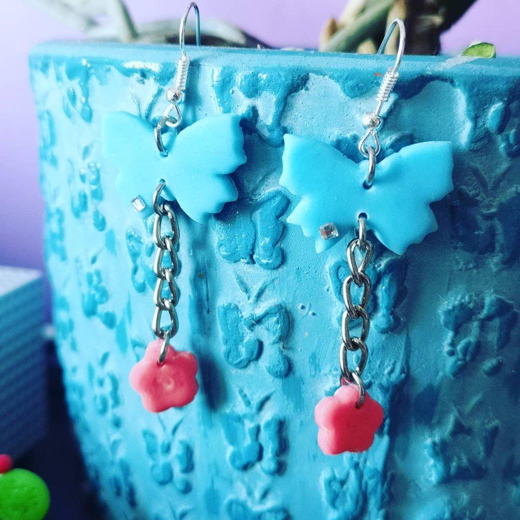 Offerta 2x1, due coppie di orecchini al prezzo di uno, cuore, farfalla,primavera,orecchini anallergici fatti a mano.