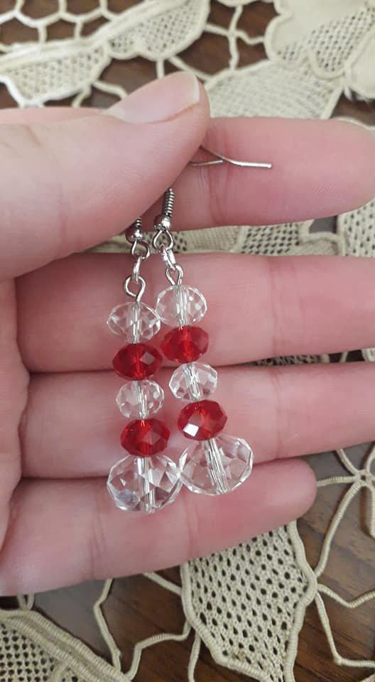 Orecchini con perline rosse