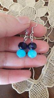 Orecchini con perline blu e azzurre