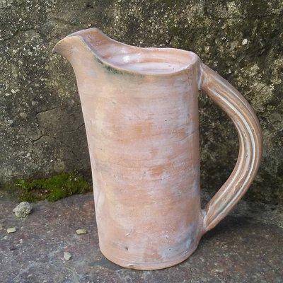 Brocca in ceramica anticata