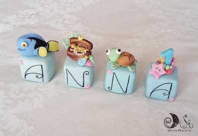 Cake topper cubi tema mare con pesci, tartaruga e tesoro sommerso per bimba