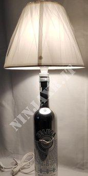Lampada Bottiglia Vodka Beluga Luminous riciclo creativo riuso arredo abat jour design
