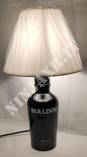 Lampada da tavolo artigianale da Bottiglia Gin Bulldog