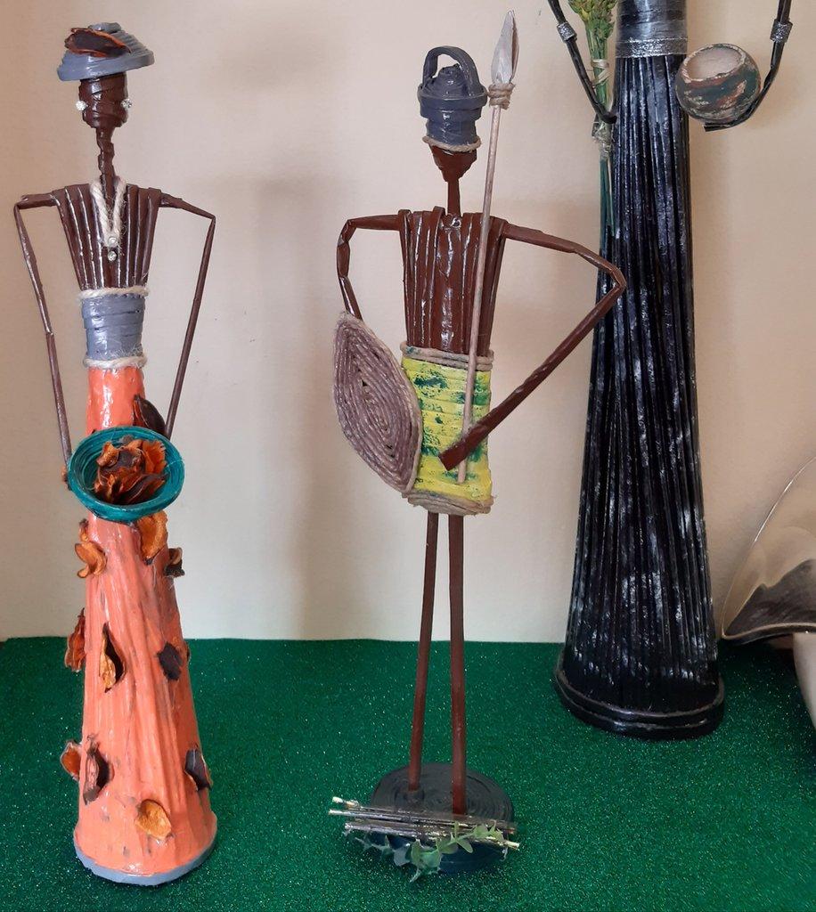 Coppia statua africana uono e donna