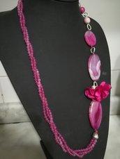 Collana in agate viola con fiori