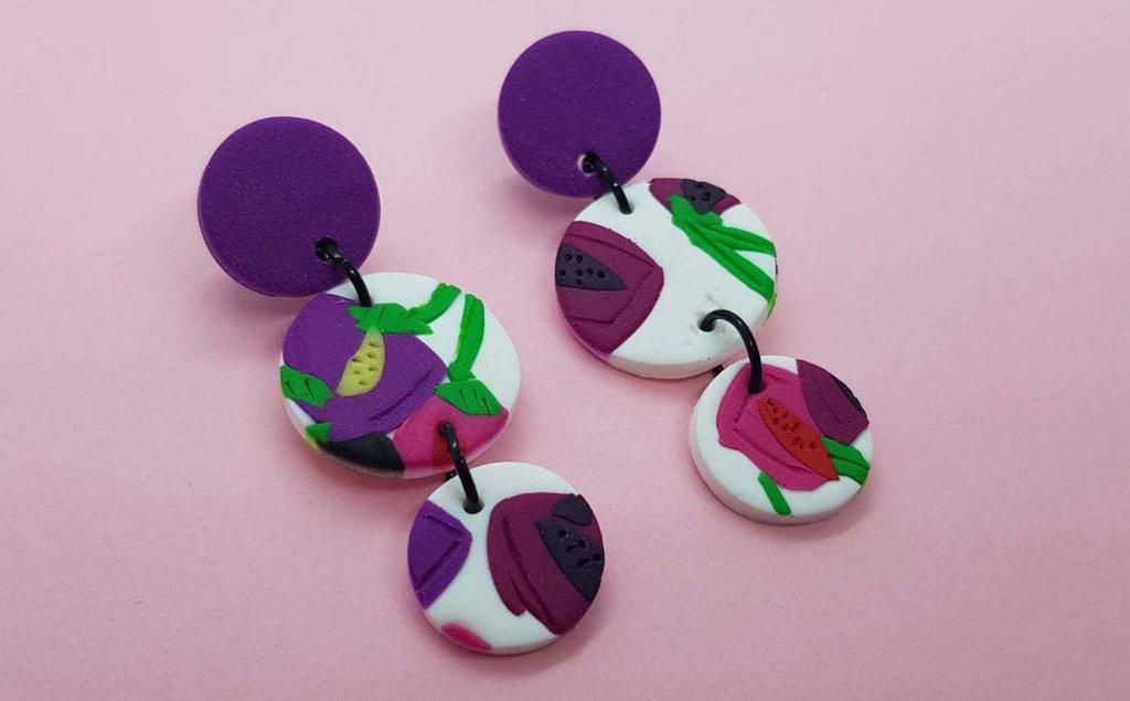 Orecchini fiori viola rosso stilizzati fimo tondi pasta polimerica 5