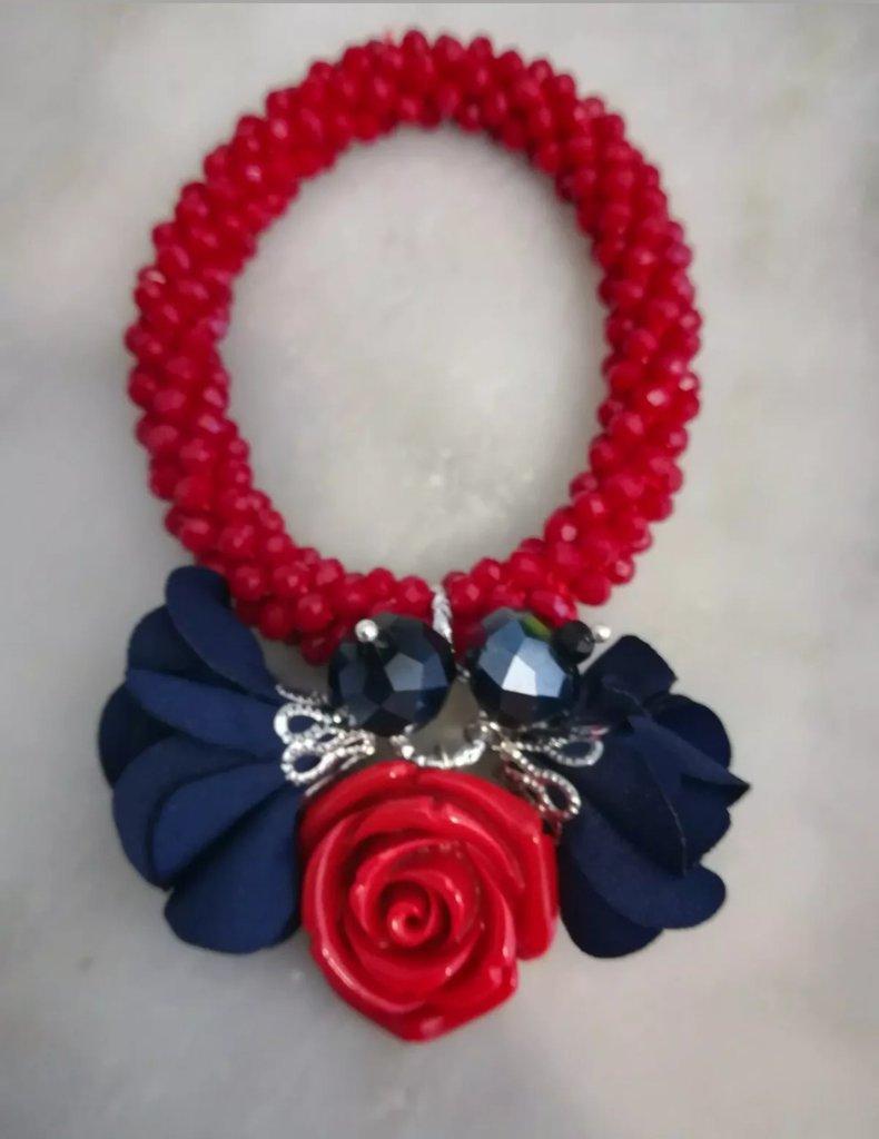 Bracciale elastico cristalli rosso fiori neri rosa rossa