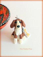 Portachiavi cane beagle personalizzato con nome su un charm a forma di osso, idea regalo personalizzata per amanti dei beagle