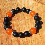 Bracciale da donna con onice opaca e giada arancio, filo elastico 19 cm, fatto a mano