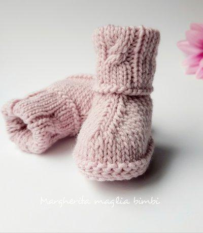 Stivaletti neonata - colore rosa con trecce - pura lana merino superwash