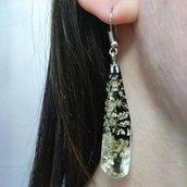 Orecchini fatti a mano orecchini lunghi donna ciondolo resina fiori di campo bianchi pendenti donna orecchini lobo donna