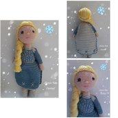 Bambola Elsa amigurumi/Bambola all'uncinetto