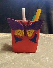 Portapenne in legno per bambini farfalla