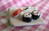 Ciondolo charm piattino plate sushi in cernit