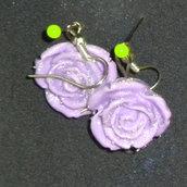 Orecchini con rose lilla