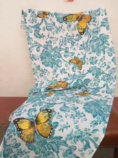 Striscia dipinta a mano con farfalle