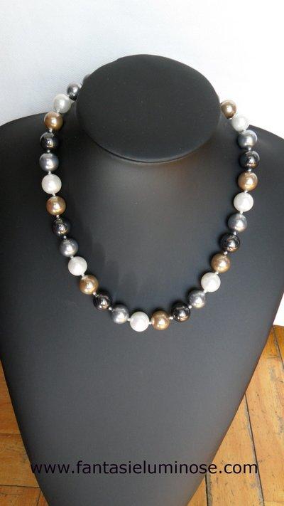 girocollo perle grigie