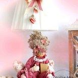 Lampada con bambola