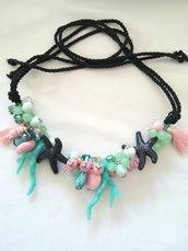 Collana passamaneria nera grappoletti corallo verde acqua rosa stella marina