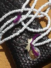 collana amuleto in filo di cotone con santino vintage piccole perline californiane