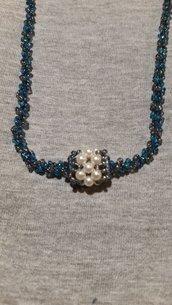 Collana blu con pandorina