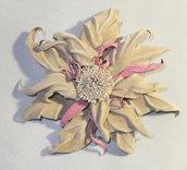 Fiore di pelle fatto a mano 1