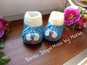 Scarpine ad uncinetto, in lana, forma di cagnolino azzurro, fatto a mano