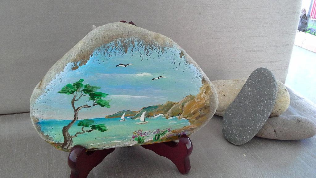 sassi dipinti,idea regalo per ogni ocasione