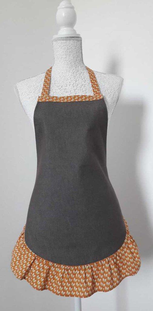 Grembiule da cucina donna in tela jeans marrone con balza color zucca