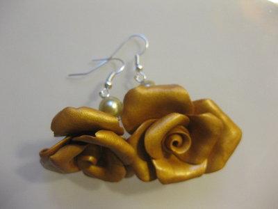orecchini rose oro